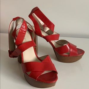 Nine West red platform sandal